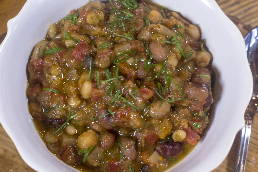 15 Heirloom Bean and Root Vegetable Chili – LiveLiving